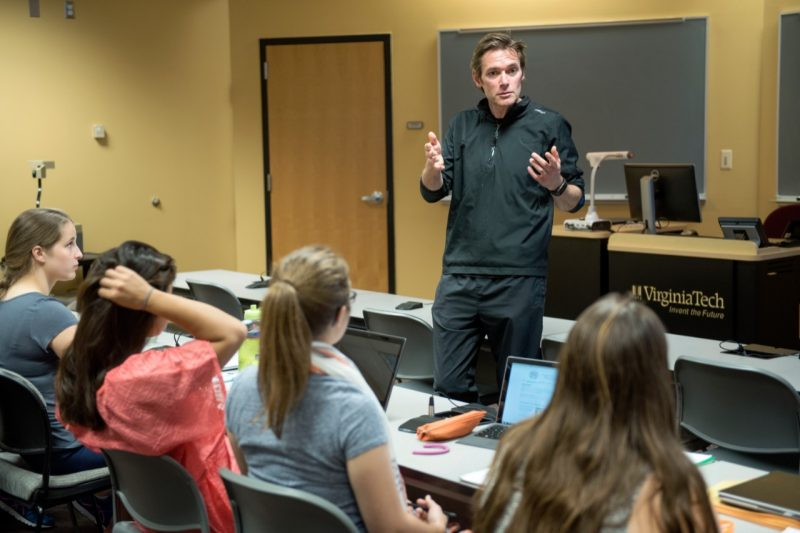 Marc Edwards addresses Virginia Tech students in a Virginia Tech classroom